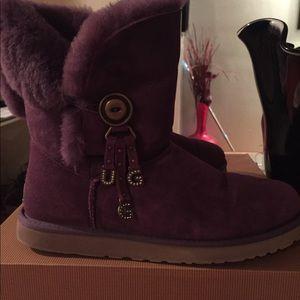 Ugg Charm Bailey Button Azalea Purple 11